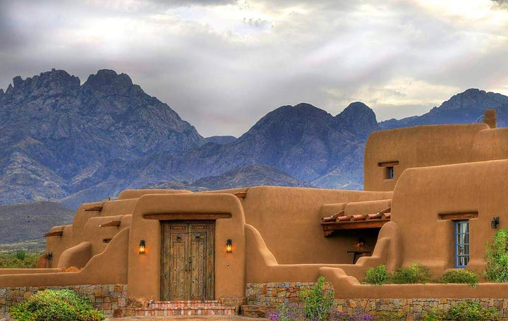 Classic new mexico homes ventanas magazine el paso for Home builders in new mexico